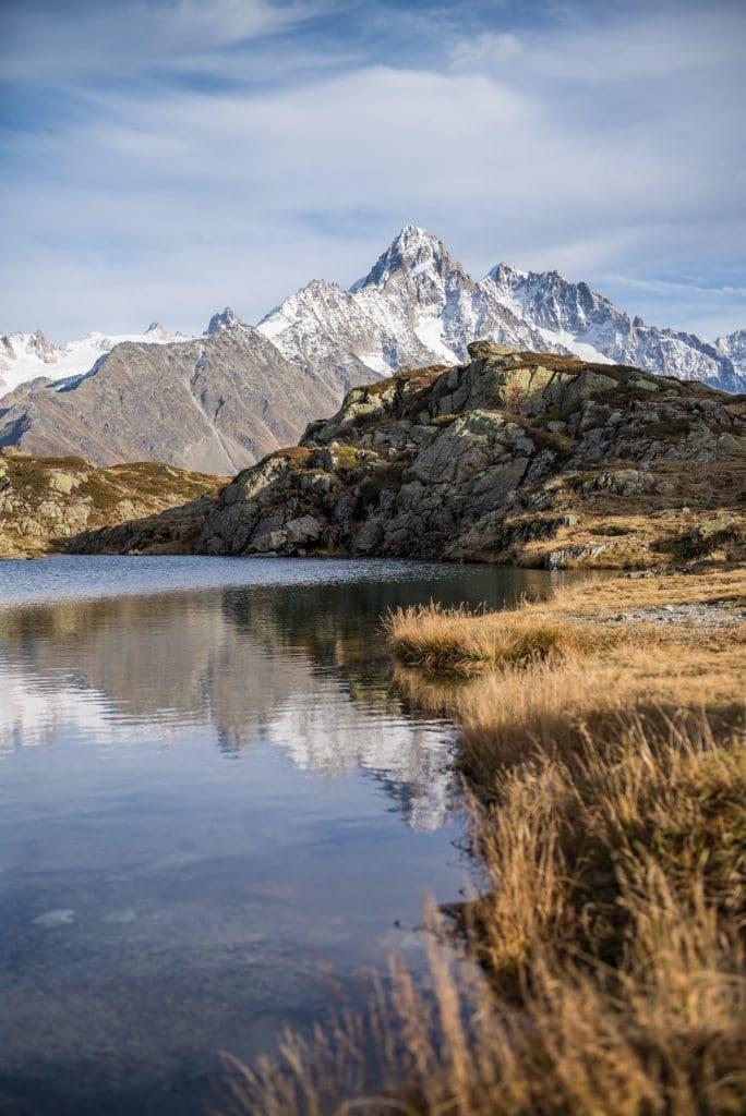 Les Aiguilles du Chardonnet et d'Argentière vues du lac de Chéserys